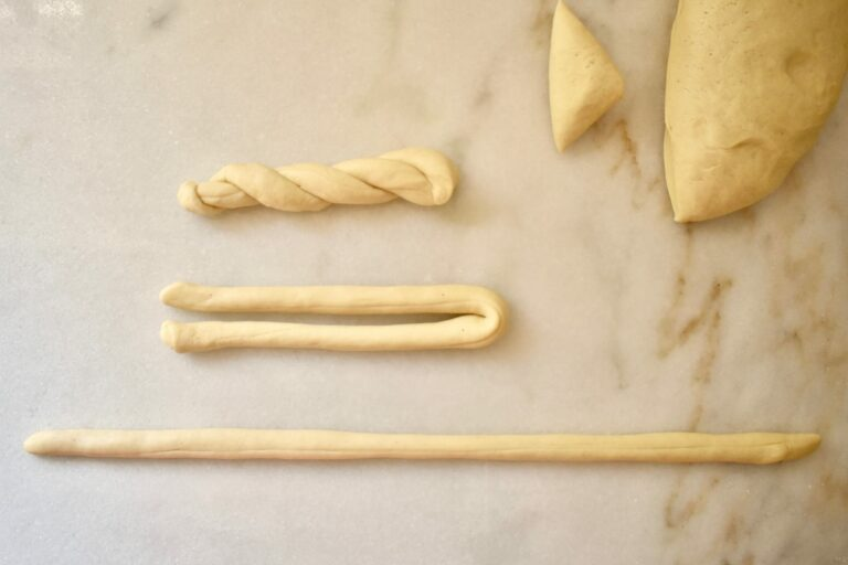 example of how to fold and twist breadsticks